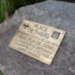 Plaque laiton d'indication d'une place